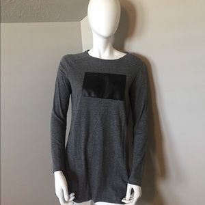 Zara Gray precieux Tunic tee size medium