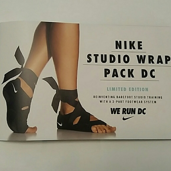 22006912cd9 Nike Studio Wrap pack