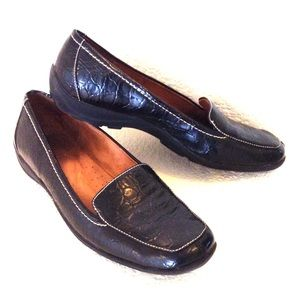 NATURAL SOLE BY NATURALIZER black loafers in EUC!