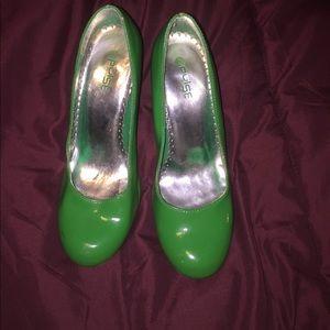 Kelly green heels