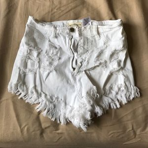 Pants - White height waisted shorts