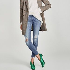 ZARA mid rise jeans!