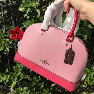 💓Brand new authentic pink leather COACH satchel
