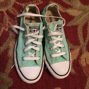 Mint Green Converse size 6