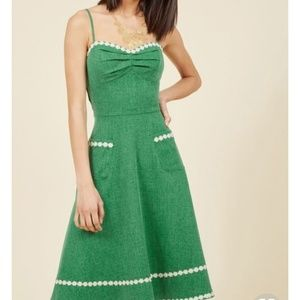 Voodoo Vixen green sundress with daisy chain