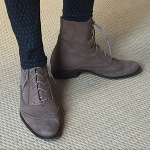 ZARA Hipster Victorian Lace-Up Boot  🕶🌂