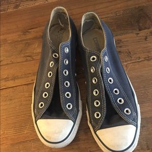 Blue size 8 converse sneakers