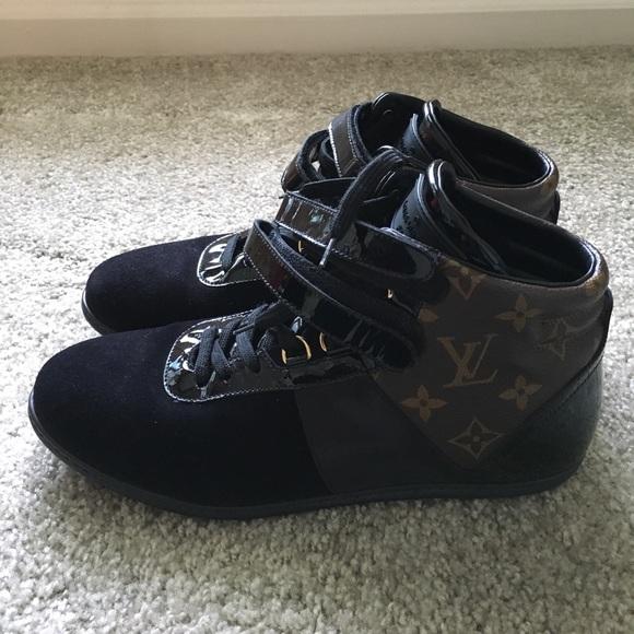 89652d6f0e7b Louis Vuitton Shoes - Louis Vuitton Women s Move up sneaker boot EUC