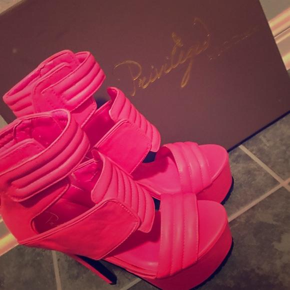 ff106972c40 Privileged Hot Pink Diva Platform Heels