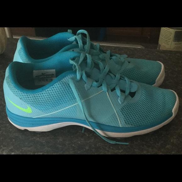 ed9d8c4d67cae Gently used women s NIKE Lunarlon Running Shoes! M 59eb98007fab3ad2c8049548