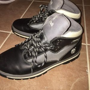 Like new Timberland Snow boots