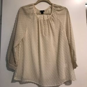 Off White 3/4 sleeve top