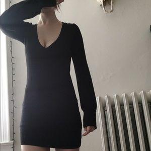 Plunging Neckline - Long Sleeve Sweater Dress 🍂🕸