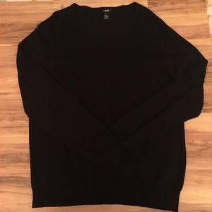 Men's H&M black v-neck sweater like new! Size XL