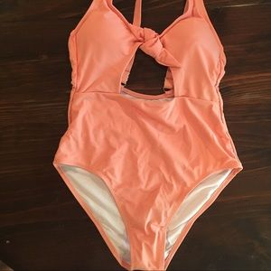 Cupshe brand one piece swim suit. Coral color.
