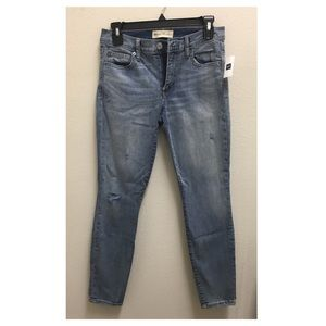 GAP True Skinny Jeans Size 28 NEW WITH TAGS
