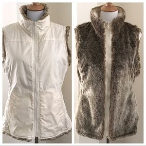 GAP Reversible Faux fur vest