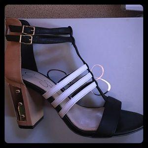 Jessica Simpson shoe