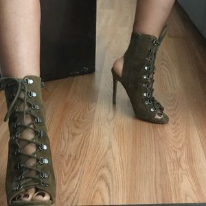 Steve Madden olive green booties