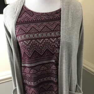 Lularoe xs Sarah sweater and xs Carly dress set