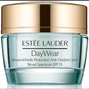 Estee Lauder DayWear Advanced protection creme