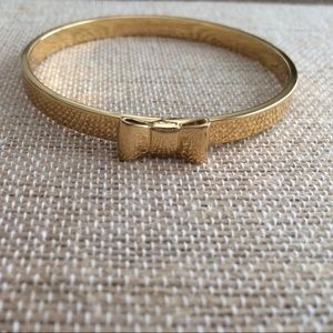 Kate spade bow gold bangle, like new