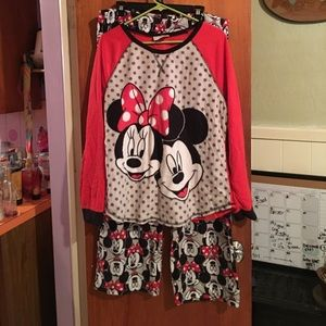 EUC Disney pajama set sz XL