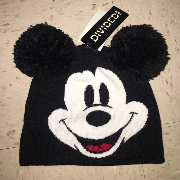 c09efd08d6f mickey mouse beanie