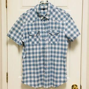 Men's short sleeve snap shirt