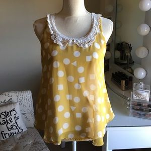 Tops - Fun flirty and flows Top with cute lace & pattern