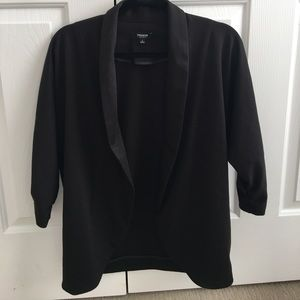 Women's shrug/blazer