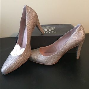 Like new Vince Camuto sparkly pumps.