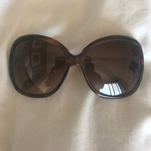 Oliver Peoples 70s style sunglasses