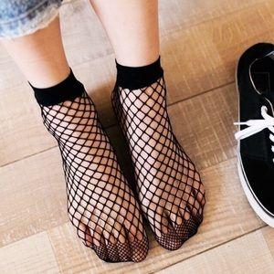 2-Pair Boutique Chic Fishnet Ankle Socks