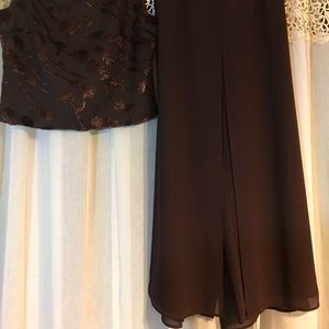 Real Comfort Two pc set Brown Pants/Top Size 10