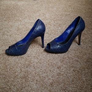 390605ef7c1 Nine West Shoes - Nine West Liatris Blue Croc Embossed Peeptoes 5.5