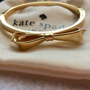 ♠️ Kate Spade Gold Bow Bracelet ♠️