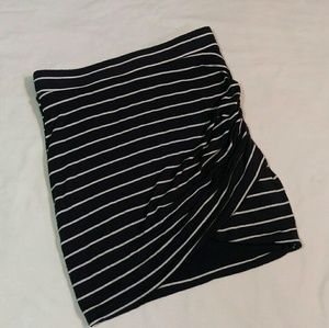 Zara black and white striped stretch mini skirt