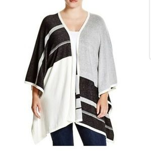 NYDJ Not Your Daughters jeans PLUS poncho sweater