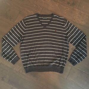 Men's Ralph Lauren long sleeve sweater, Large.