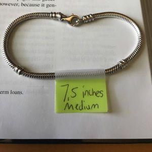 Medium pandora bracelet FIRM