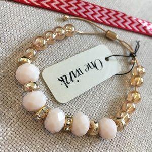 🆕 One wink Crystal Beaded Bracelet