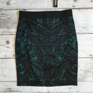EXPRESS Green & Black Skirt