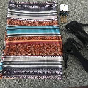 Mini bodycon skirt, earrings included