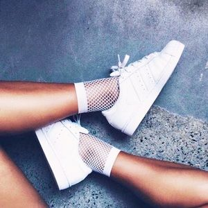 2-Pair Boutique Chic Fishnet Ankle Socks in White