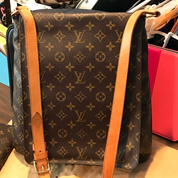 7952964bc548 Authentic Louis Vuitton GM Musette Cross Body Bag. Listing Price   400