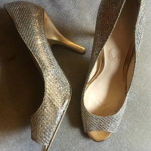Sober and gold glitter dressy heels- 9