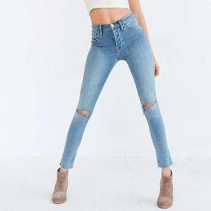 ✨BDG Frayed Hem Twig High-Rise Jeans