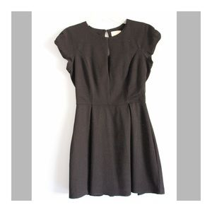 Short sleeve dress with front slit