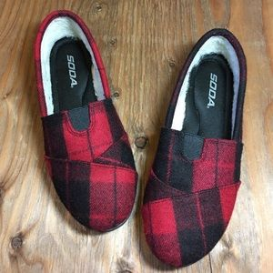Black and Red Plaid Soda Flats 8.5 (approx.)